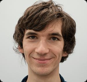 Ein Foto von unserem Mitarbeiter in der Software-Entwicklung Jan Hüttemann