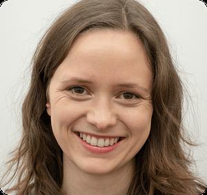 Ein Foto von unserer Mitarbeiterin, Gründerin und Marketingleiterin Carolin Kröger